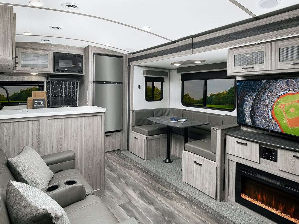 Passport GT 2704  living area