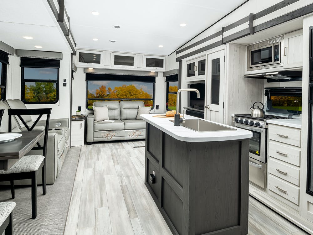 Sprinter 30RL kitchen and living