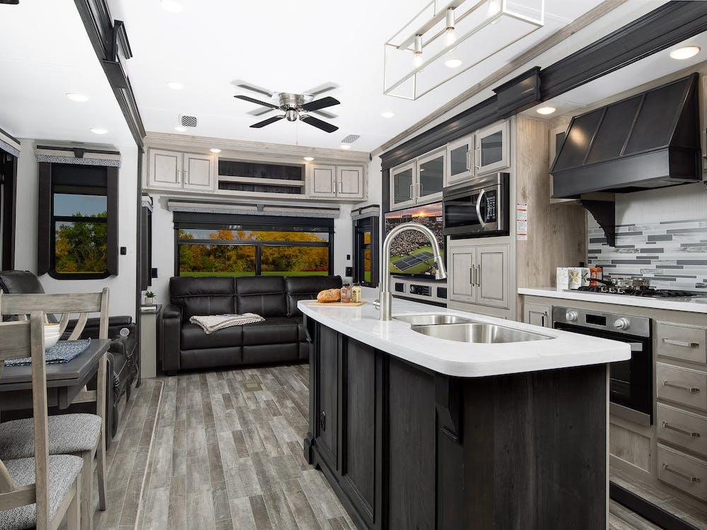 Keystone Alpine 3650 living area