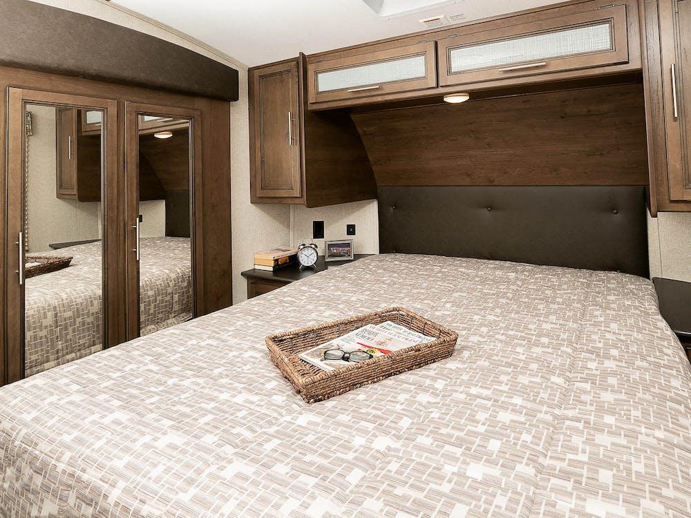 25RES bedroom
