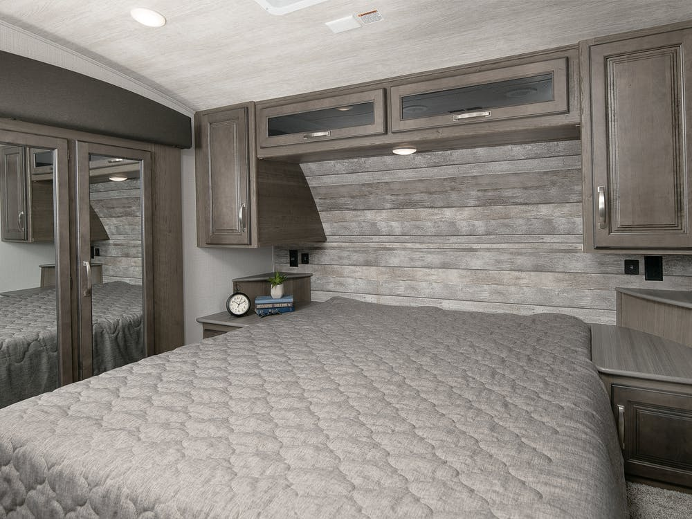 30RLS bedroom