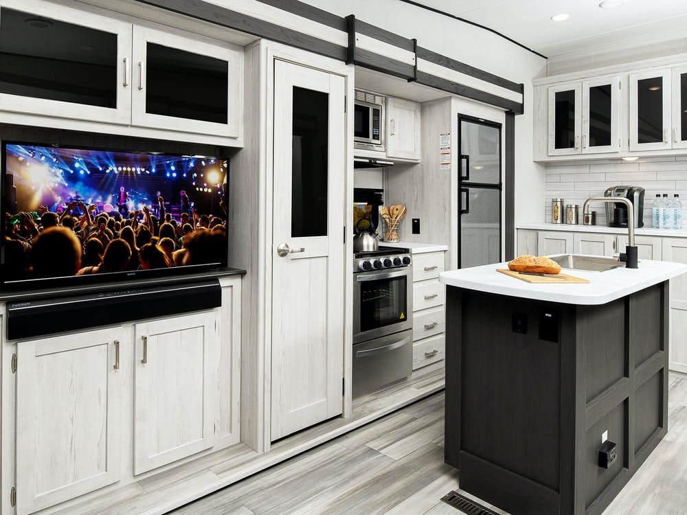 Sprinter 30RL kitchen and entertainment