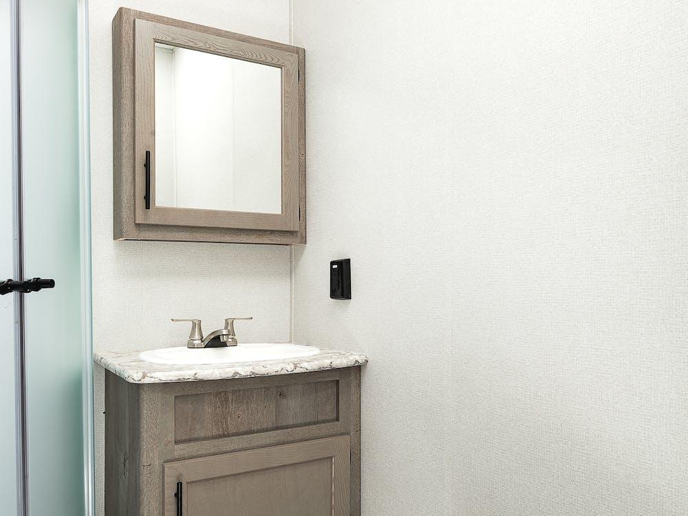 40MKTS bathroom