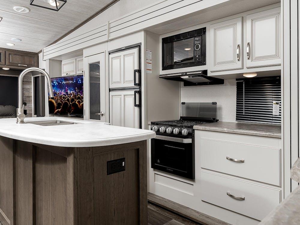 30RLS Kitchen