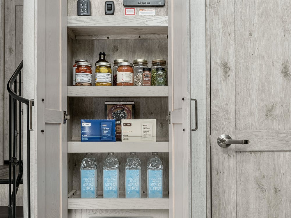 Alpine 3650 pantry