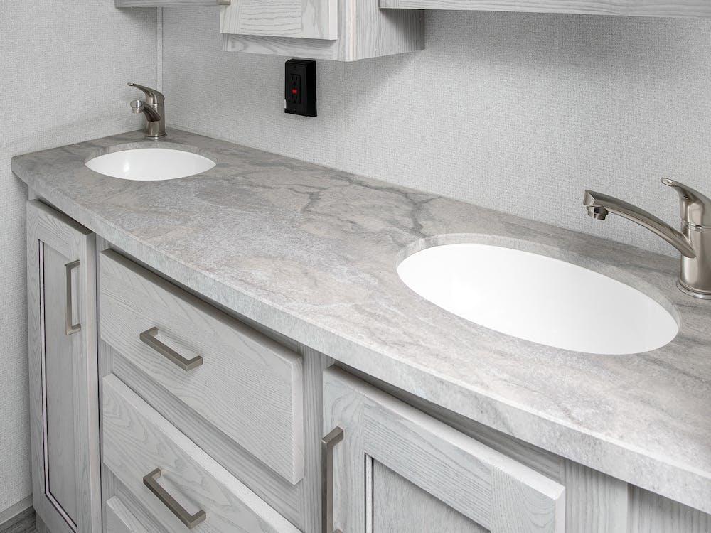 331RL bathroom counter