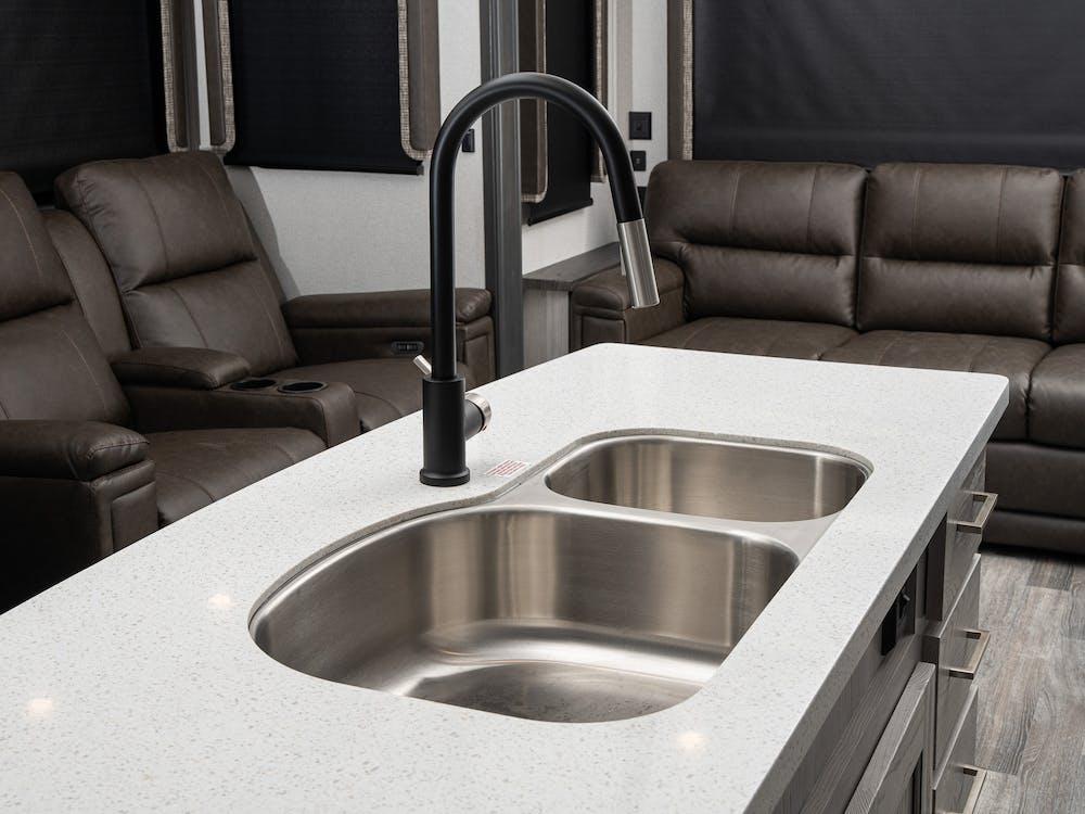 331RL kitchen sink