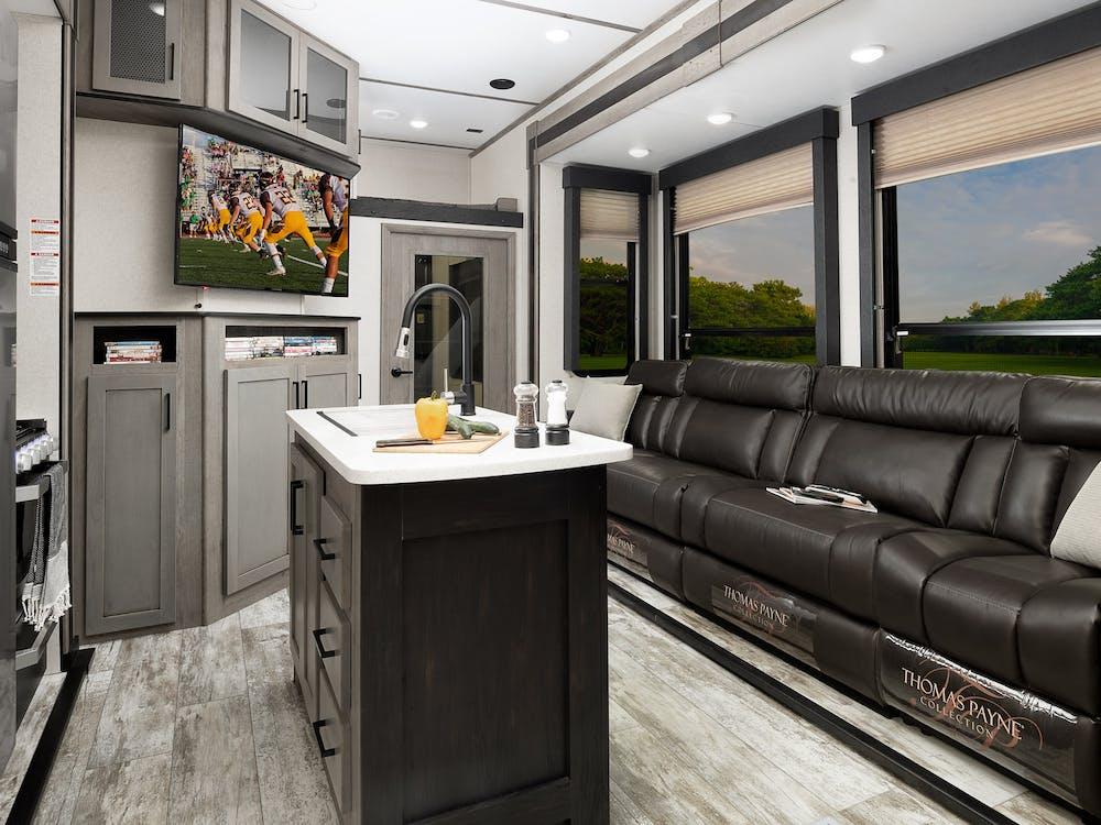417 living area
