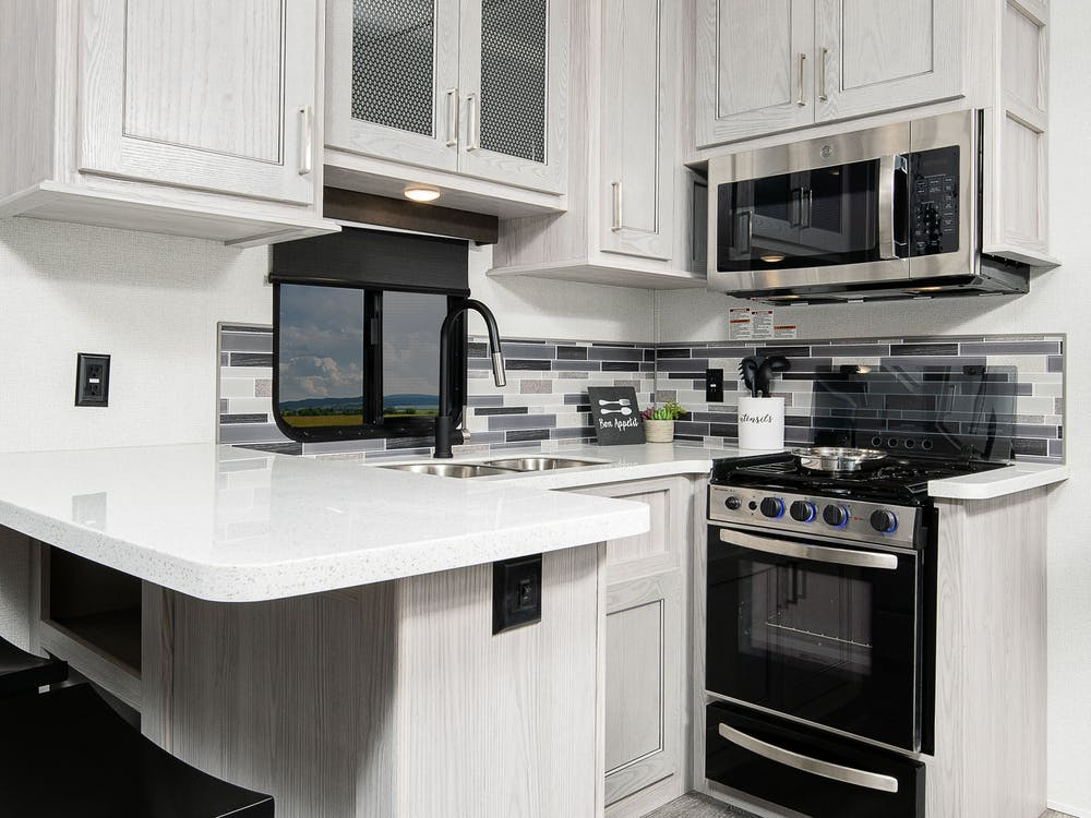 337FL kitchen