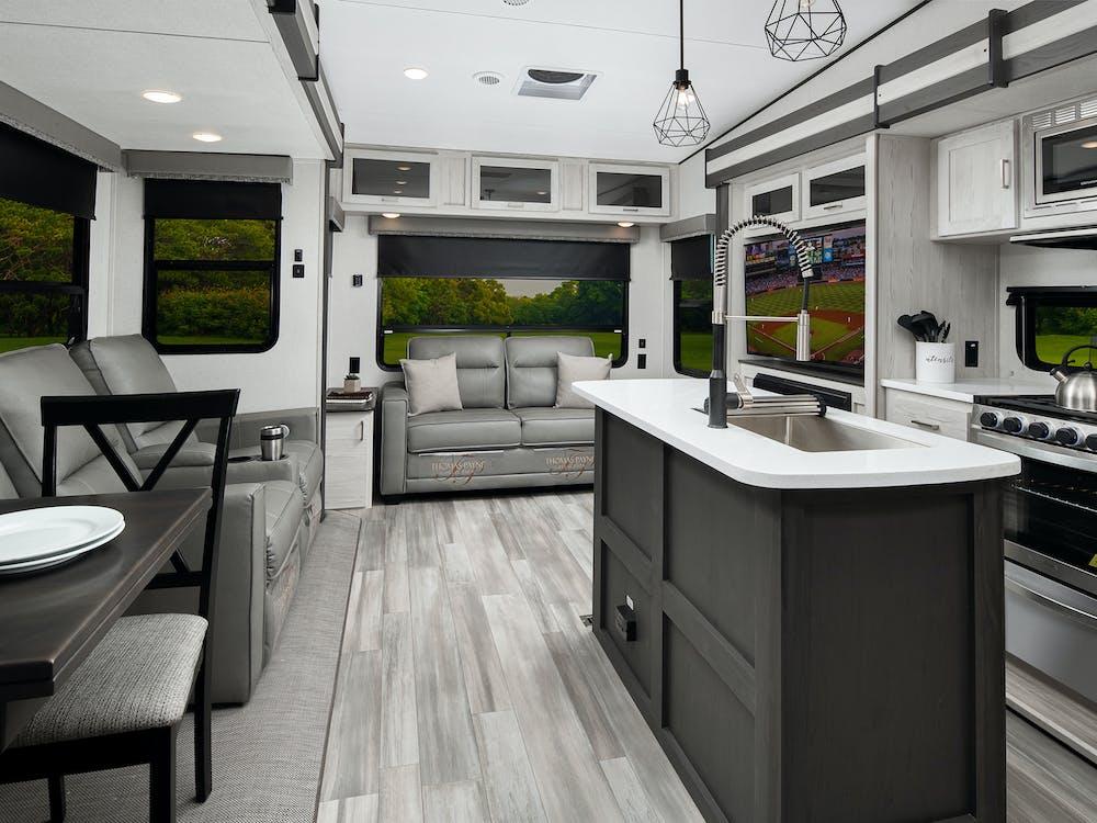 Sprinter 3590LFT kitchen and living