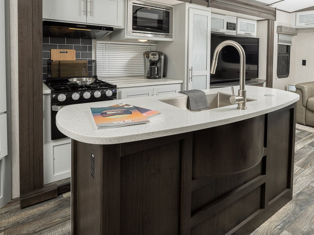 30RIPR kitchen island