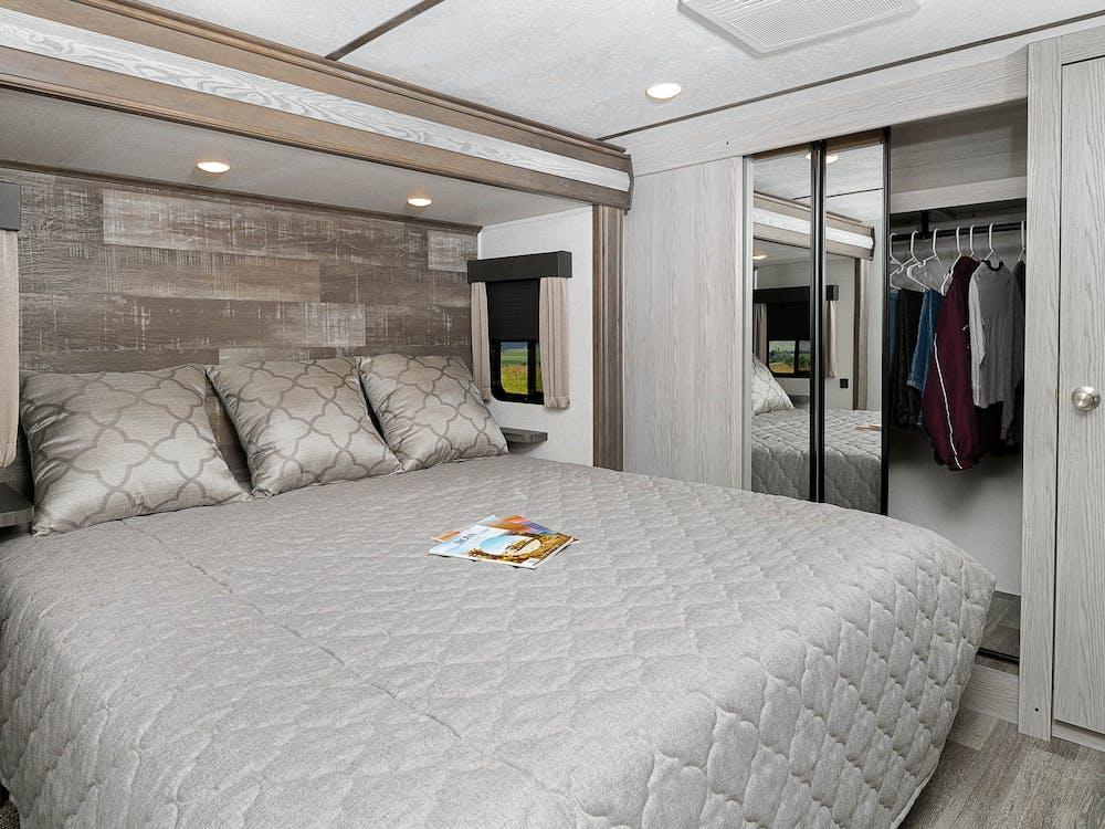 330RL bedroom