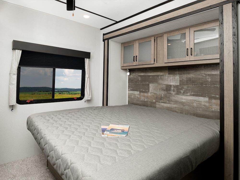 391FLRS bedroom