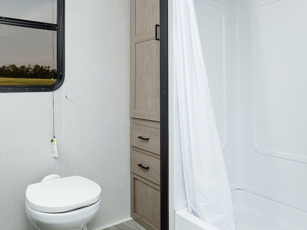 243RB lavatory