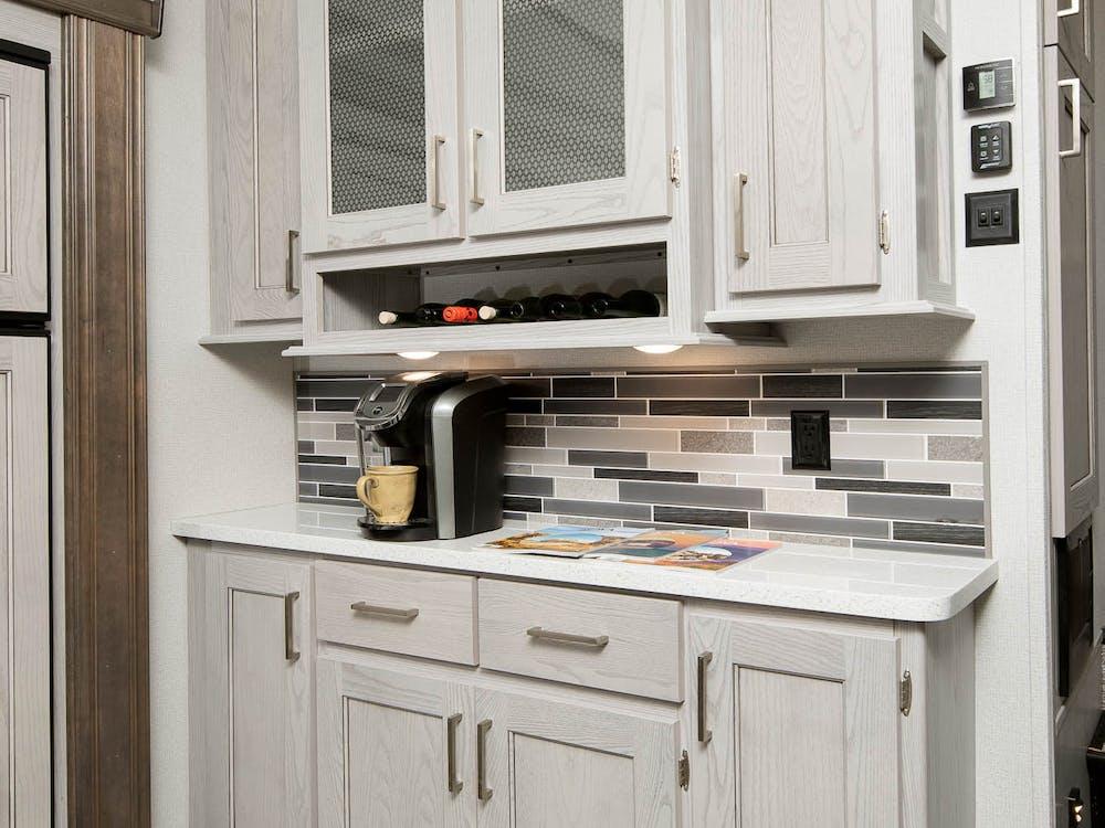 330RL kitchen