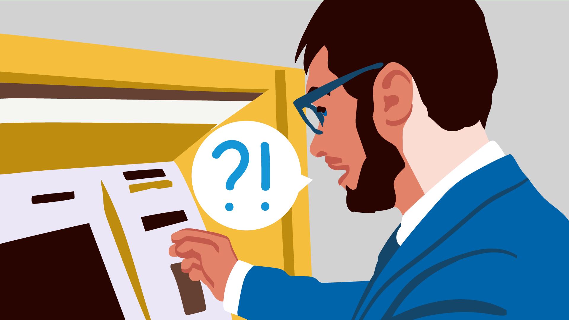 Mann mit blauem Anzug am Geldautomaten ist sich unsicher, welche Gebühren beim Geldabheben im Ausland entstehen.