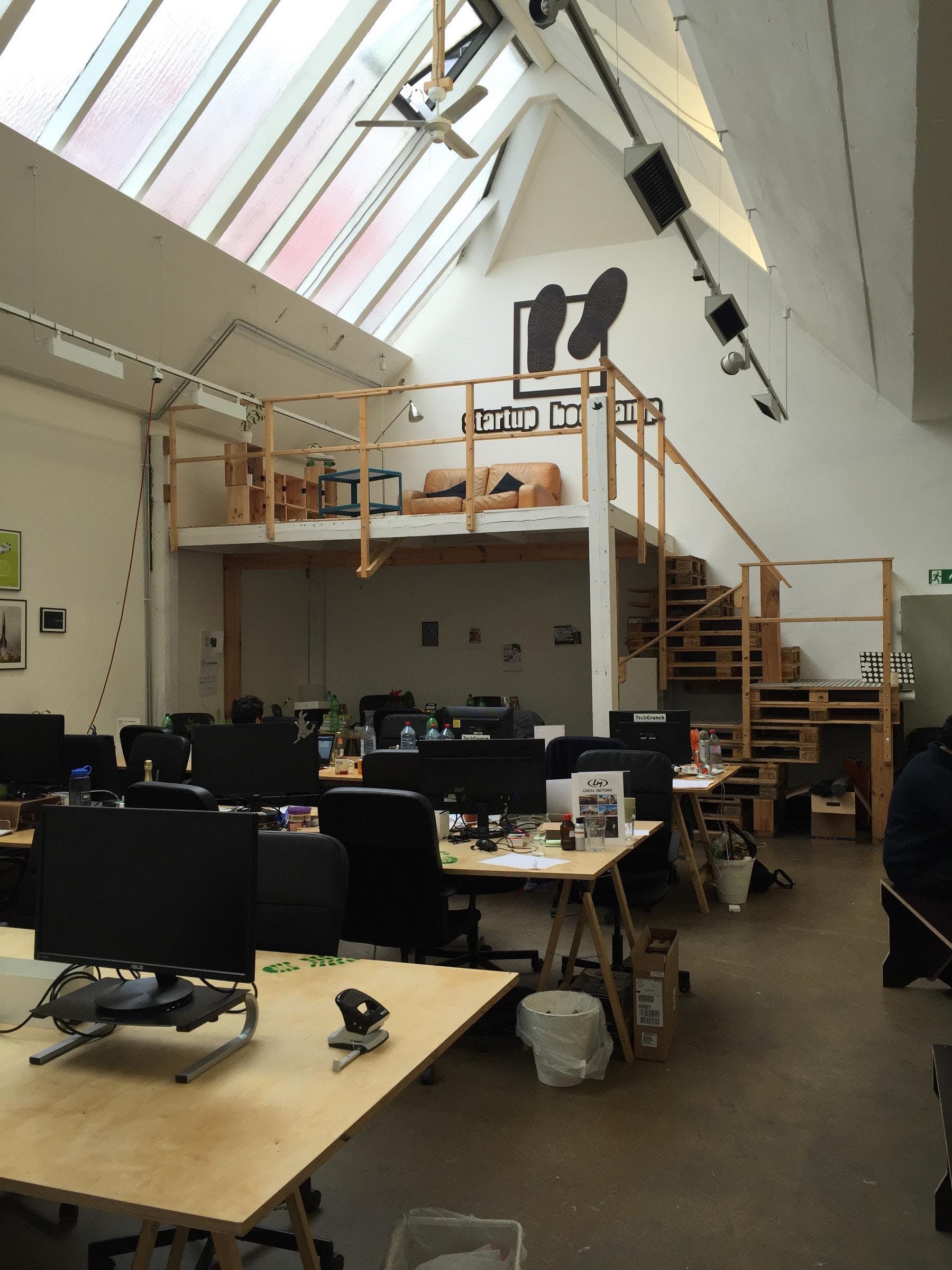rainmaking_loft_coworkingroom1