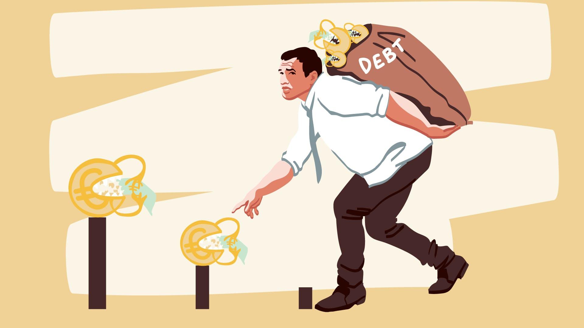 Ein Mann trägt eine schweren Sack, der verdeutlichen soll, dass ein Kreditantrag genau geprüft wird, inkl. Schufa Überprüfung.