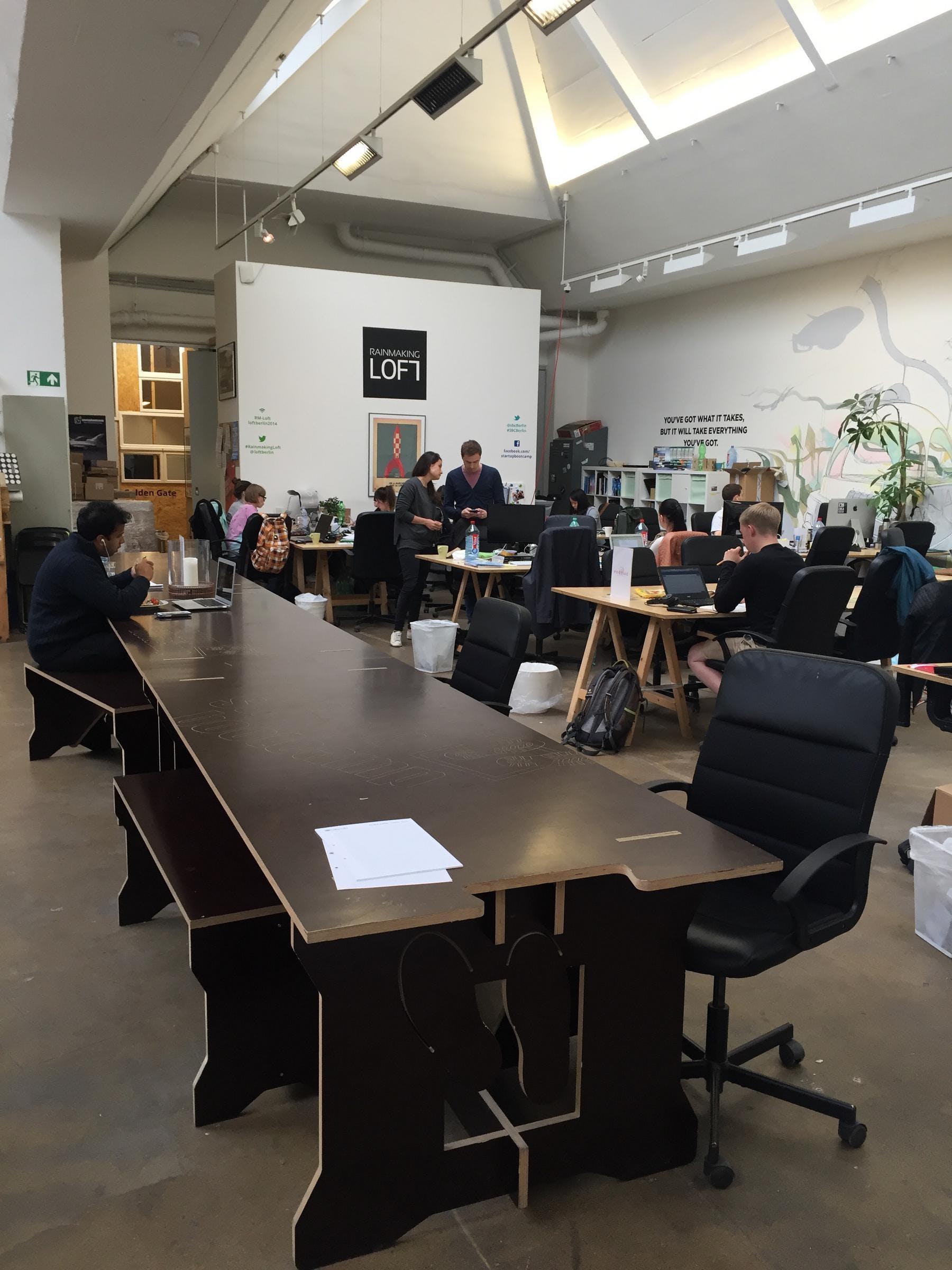 rainmaking_loft_coworkingroom2