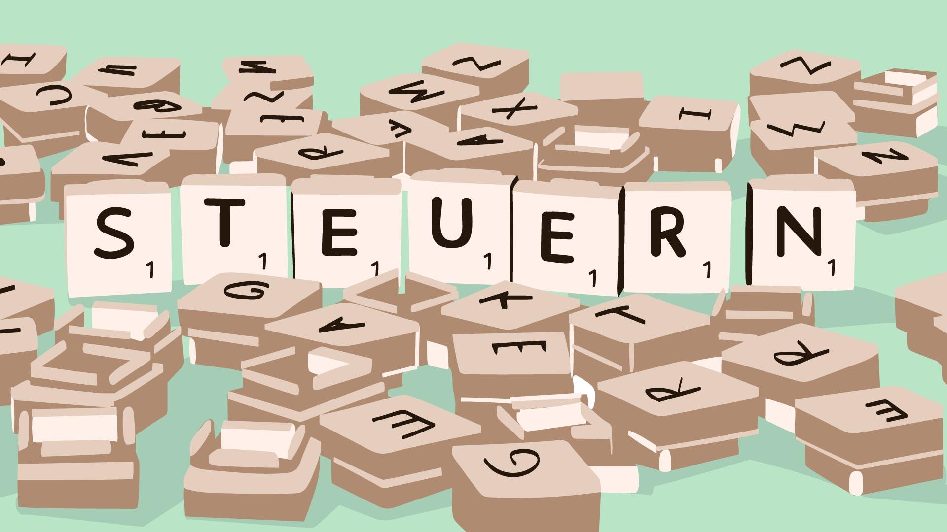 Buchstaben Bausteine auf grünem Hintergrund liegend, ergeben das Wort Steuern.