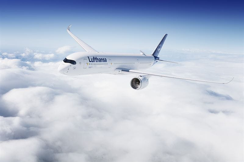 Ett av Lufthansas flygplan i luften