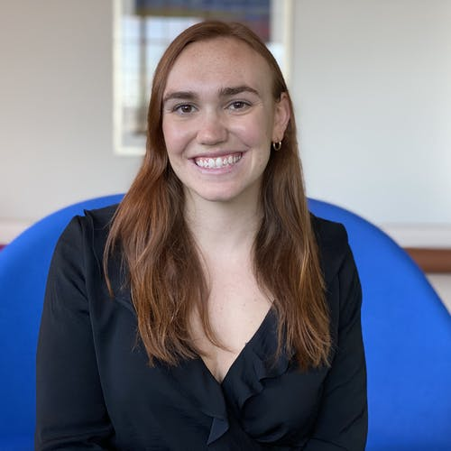 Headshot of Nicole, business course mentor