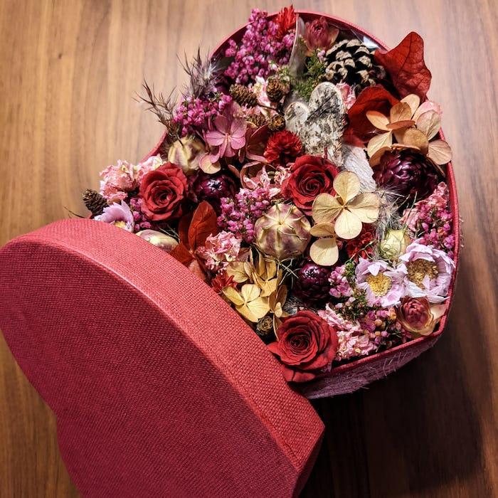 """Boîte fleurie """"A tout cœur"""""""