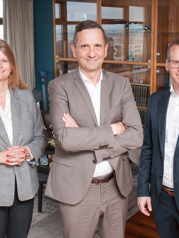 From left: Tinna Traustadóttir, Excecutive VP of Sales and Services, Landsvirkjun, Hörður Arnarson, CEO of Landsvirkjun and Eyjólfur Magnús Kristinsson, CEO of atNorth.