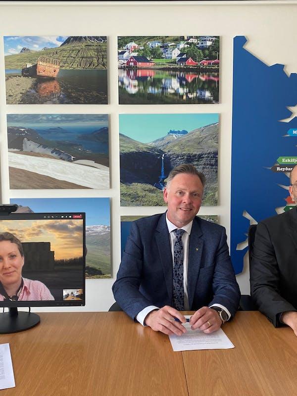 Pictured are Anna-Lena Jeppsson, Project Leader from CIP, Jón Björn Hákonarson, Mayor of Fjarðabyggð and Rikarður Rikardsson, Vice President of Business Development and Innovation at Landsvirkjun.