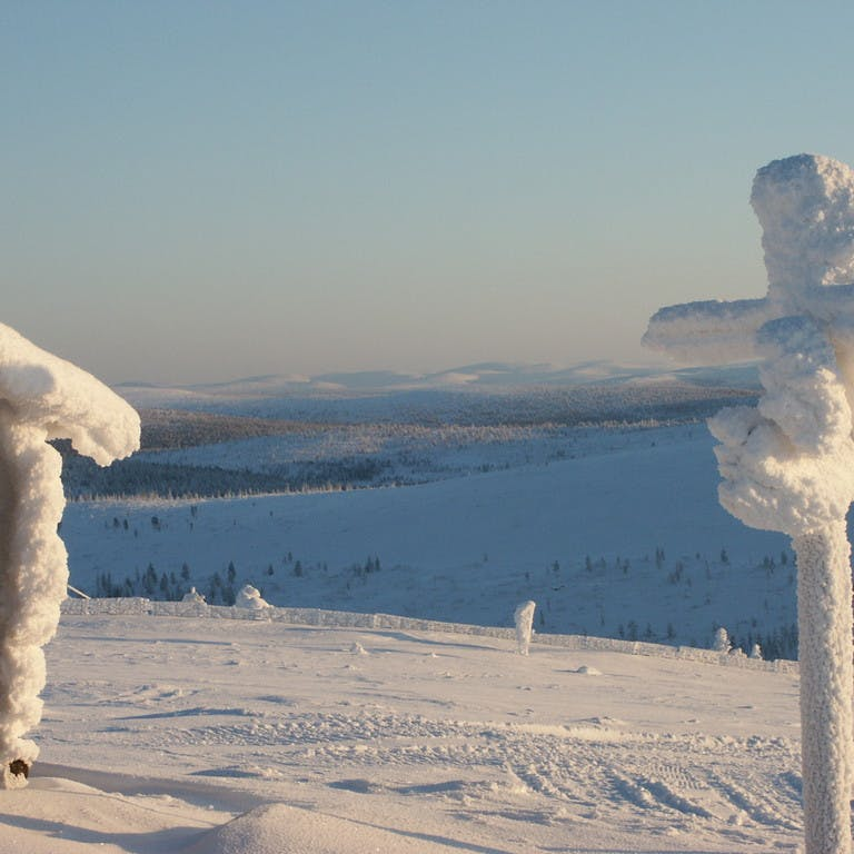 Découvrez le printemps-hiver en Laponie