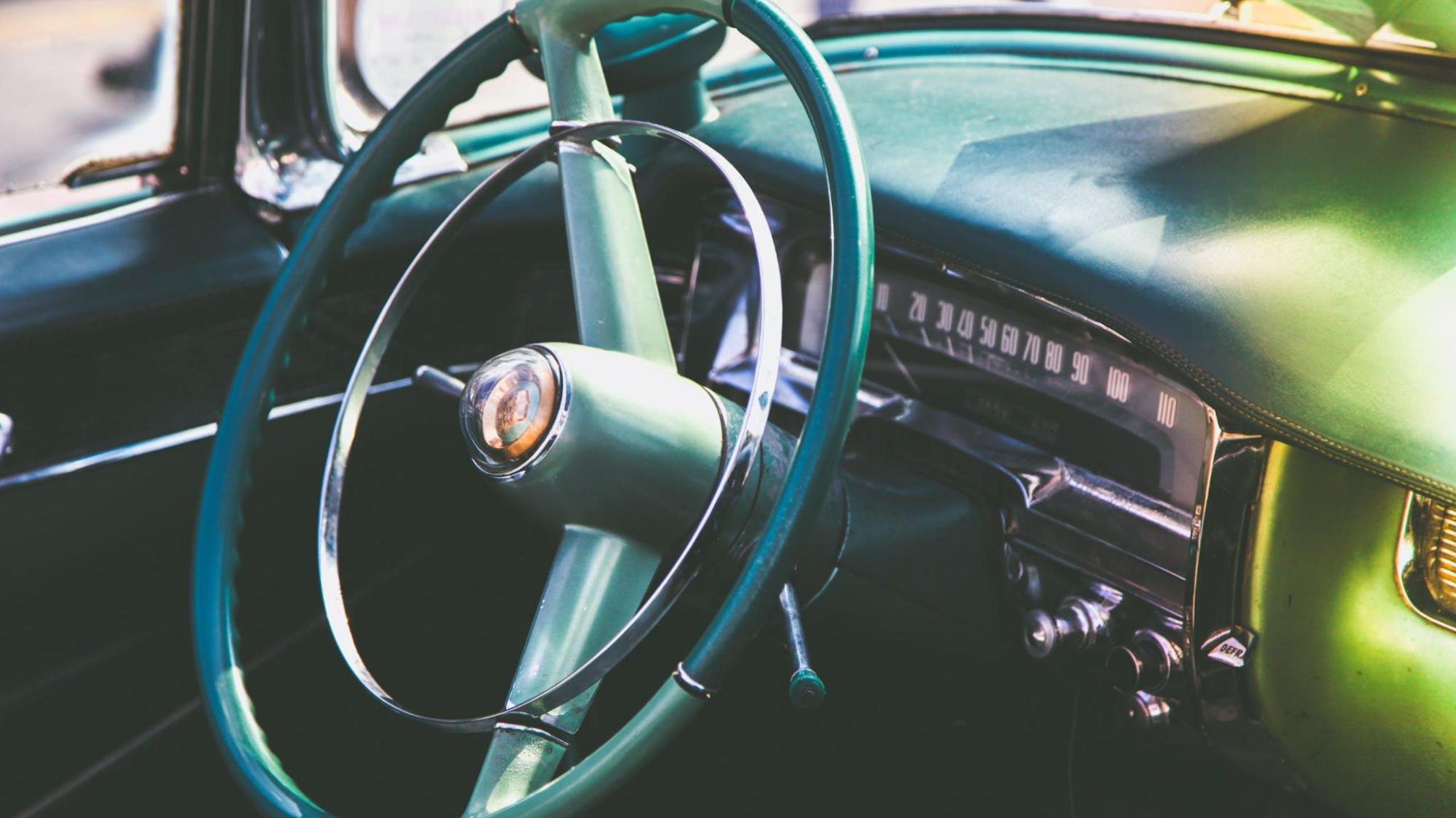 intérieur d'une voiture volant