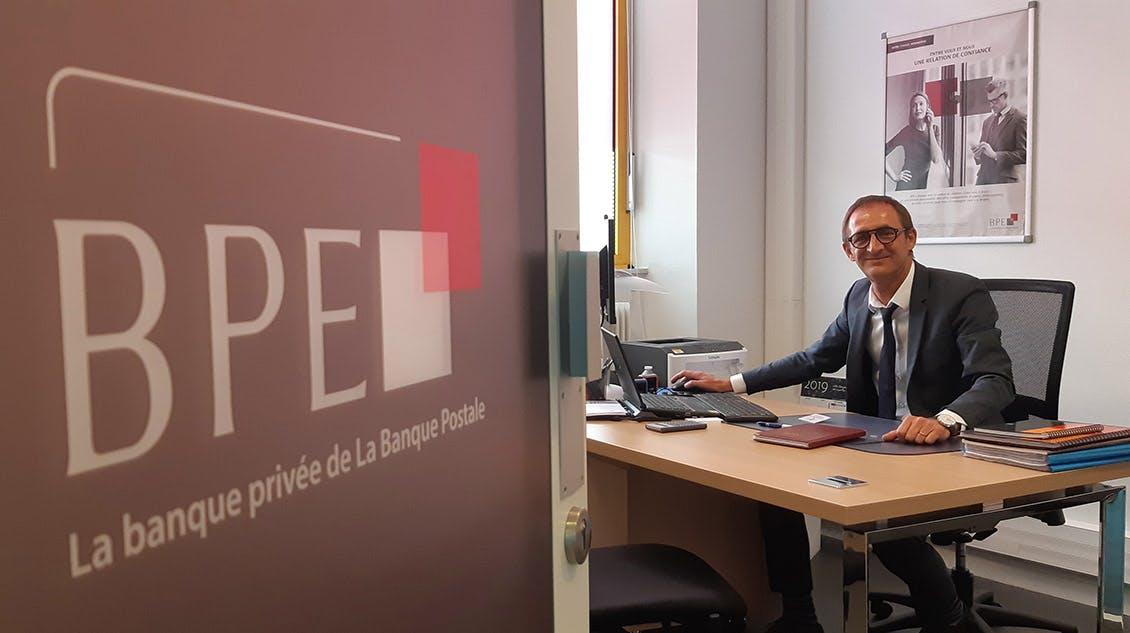 Photo de Laurent Bellec, conseiller en patrimoine à la Banque Privée BPE à Lorient.