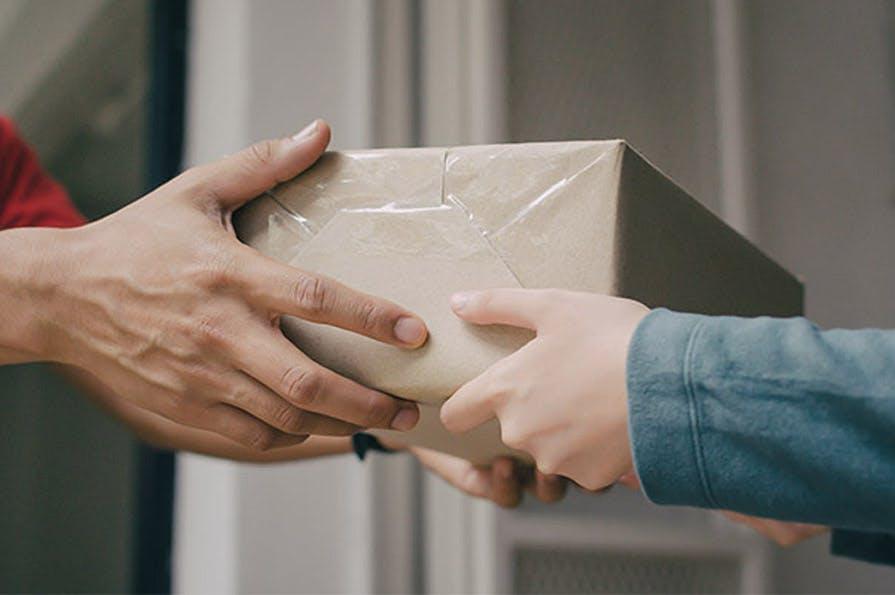 Livraison colis - remise en main propre