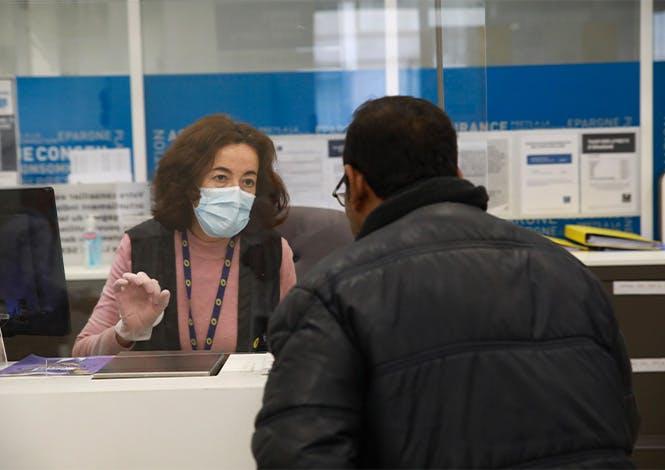 La Poste mobilise l'ensemble de ses ressources pour maintenir ouverts ses bureaux de poste