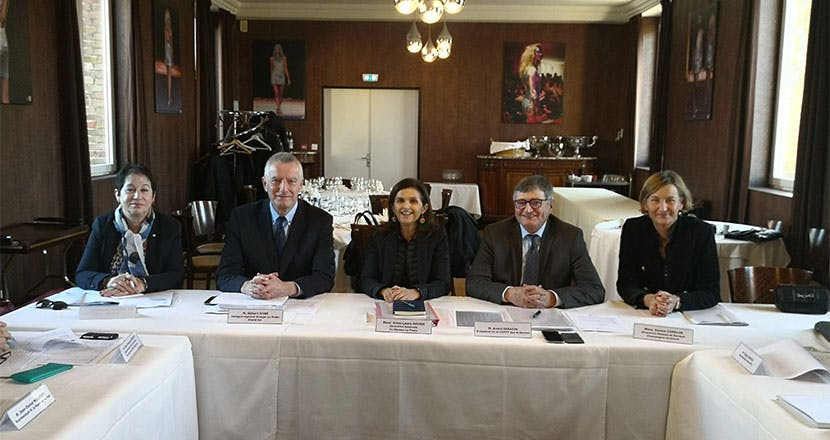 Les membres de la CDPPT des Ardennes avec Anne-Laure Bourn, Directrice générale adjointe du Groupe La Poste