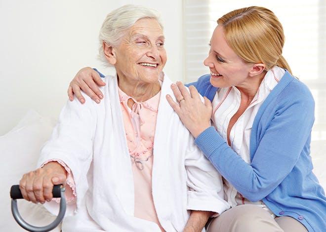 Alix Bailly, 92 ans, habite Dijon et sollicite Axeo Services depuis plus de 3 ans