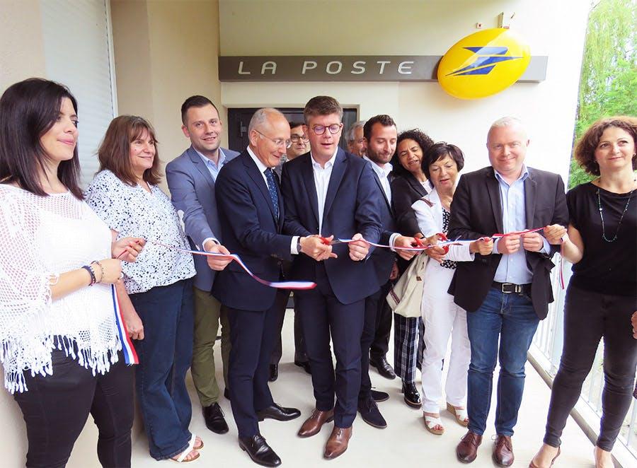 Photo de l'inauguration du bureau de poste de Beaucourt