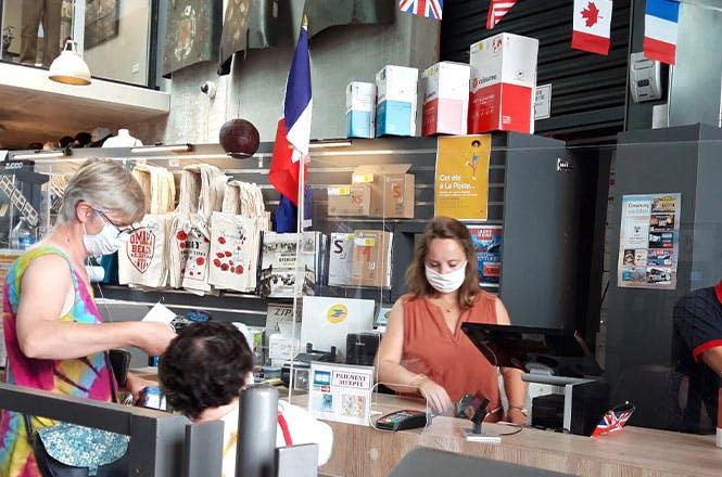 Les services essentiels postaux sont proposés du 1er juillet au 30 septembre 2020 au sein de la boutique de l'Overlord Museum