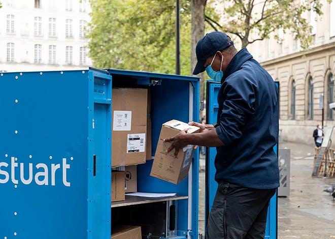 Paris : Stuart expérimente l'usage d'un entrepôt mobile