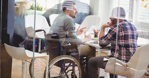 Handicap, inaptitude ou maladie chronique, Le Groupe La Poste agit pour favoriser l'emploi et la carrière des uns et changer le regard de tous, convaincu que différences rime avec performances.