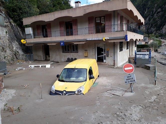 Tempête Alex : les postiers mobilisés auprès des sinistrés