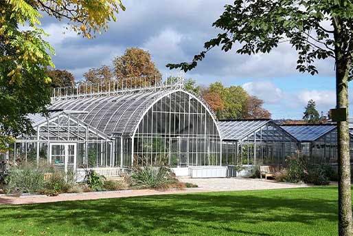 Les serres du jardin des plantes de  Rouen