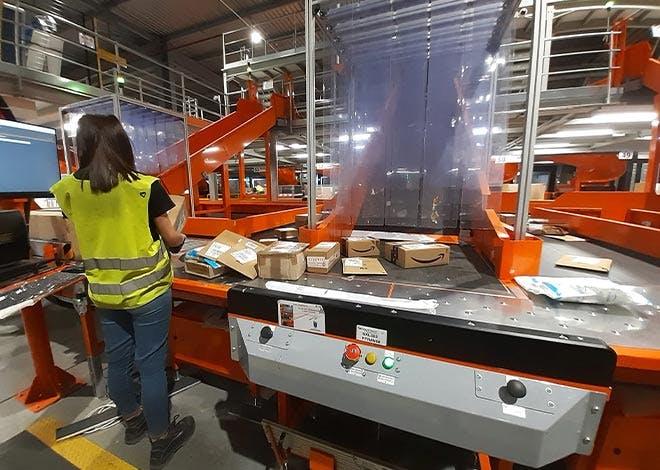 La Poste atteint un niveau sans précédent en triant et livrant, à l'échelle nationale, jusqu'à 4 millions de colis par jour