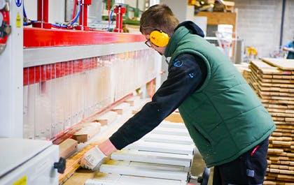 A Clermont-Ferrand, l'Adapei 63 récupère le mobilier postal