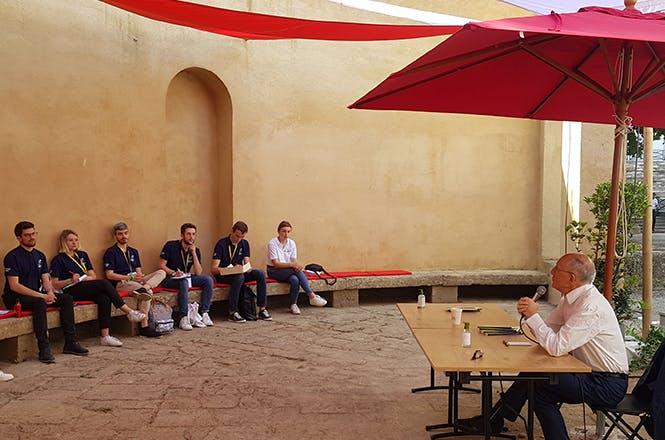Le Cercle des économistes avait sélectionné 120 jeunes de 18 à 28 ans, étudiants et jeunes actifs, de toute la France et de tous horizons pour participer aux Rencontres