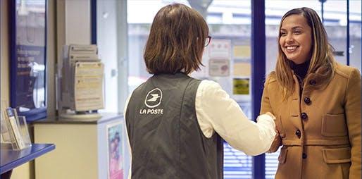 Le Groupe La Poste est organisé en 5 branches pour répondre aux besoins quotidiens des Français et aux enjeux d'aujourd'hui et de demain