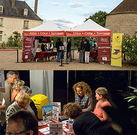 La Poste's booth in val de Luynes to spread event awareness
