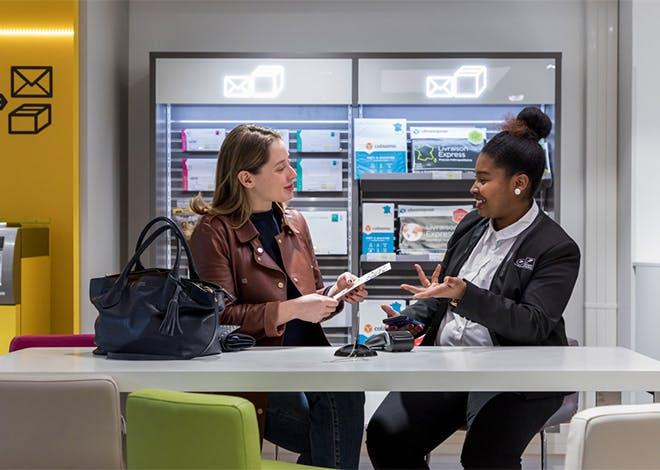 Au sein du futur espace, les chargés de clientèle prendront en charge les clients dès leur entrée dans l'espace de vente