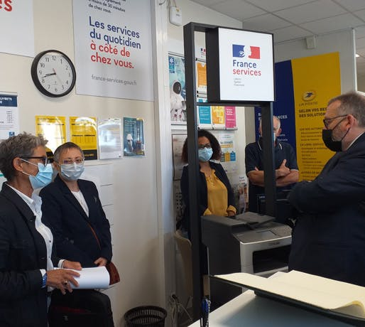 La Poste de Sainte-Hermine en Vendée labélisée France Services a été inaugurée