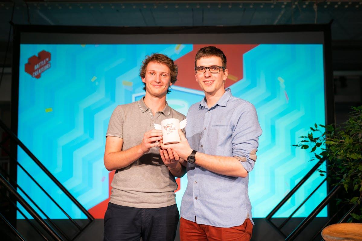 Simon Buoro et Antoine  Escande lors de la remise des prix de la social cup en février 2020
